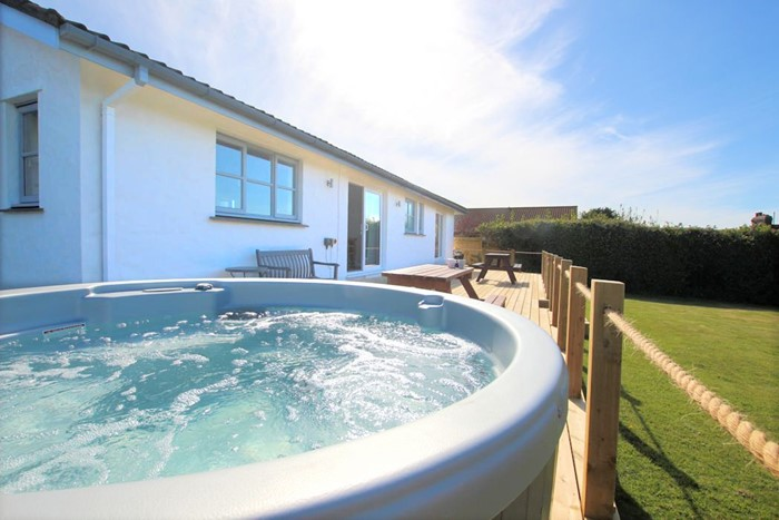 Croyde Holiday Cottages Beach Break Hot Tub