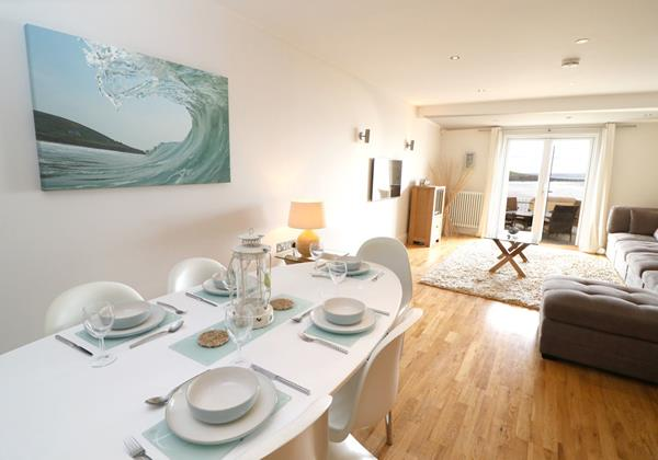Croyde Holiday Cottages 6 Out The Blue Dining To Lounge