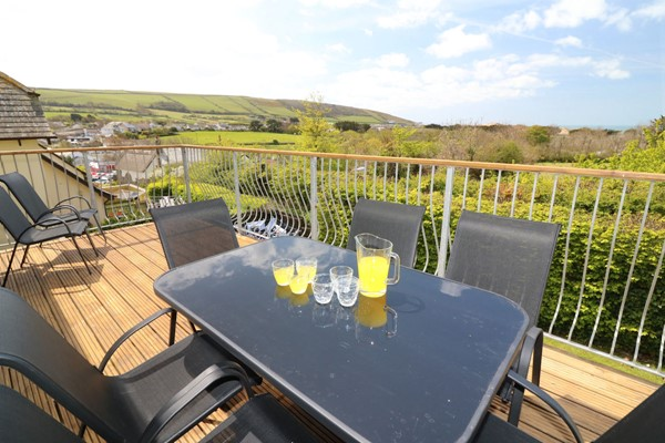 Sundowner Croyde Holiday Cottages Top Patio
