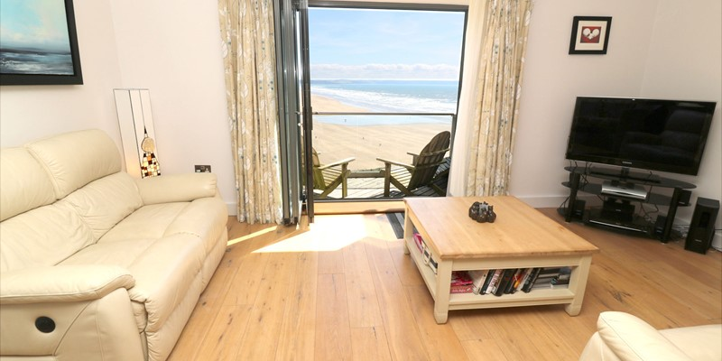 Saunton Holiday Cottages Ocean Point Lounge With View