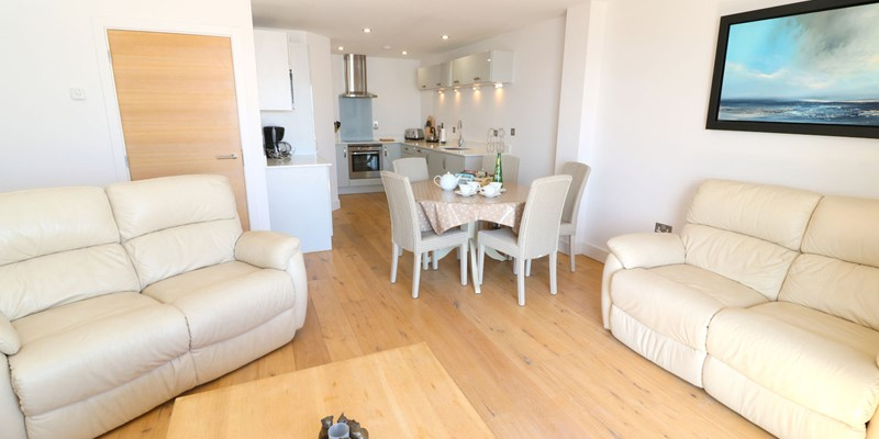 Saunton Holiday Cottages Ocean Point Lounge To Diner