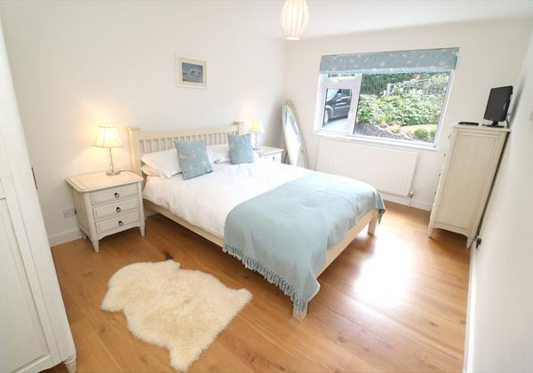 White Sands Croyde Holiday Cottages Blue Room