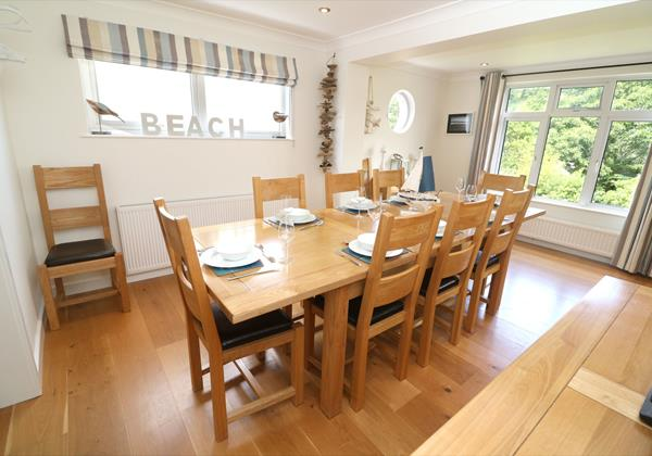 White Sands Croyde Holiday Cottages Dining