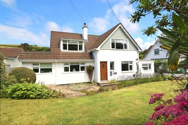 White Sands Croyde Holiday Cottages Front Of House