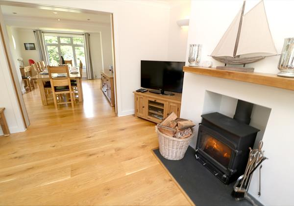 White Sands Croyde Holiday Cottages Lounge To Dining