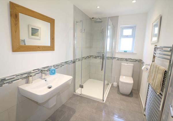 Croyde Holiday Cottages Pebbles Rest Bathroom