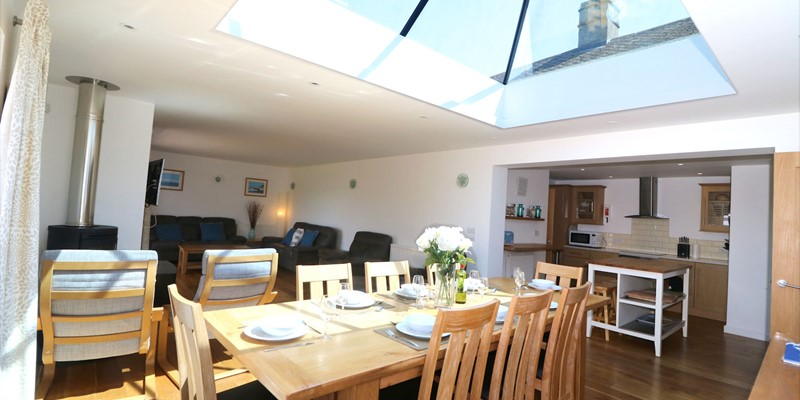 Croyde Holiday Cottages Pebbles Rest Dining