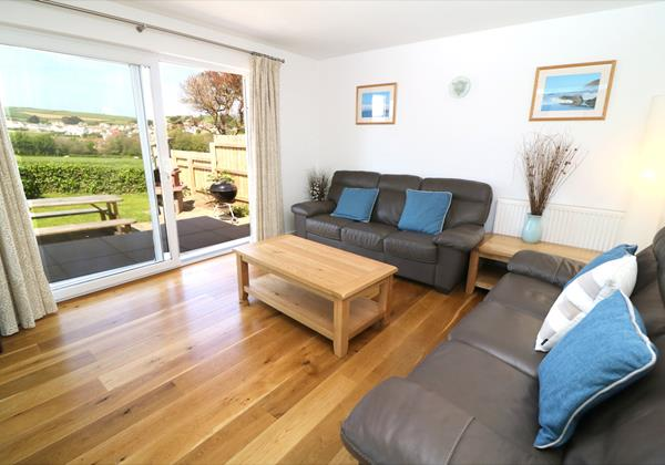 Croyde Holiday Cottages Pebbles Rest Lounge