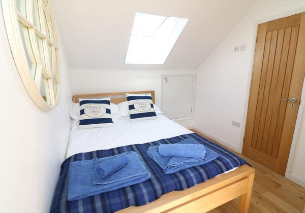 Croyde Holiday Cottages Pebbles Rest Upstairs Bed