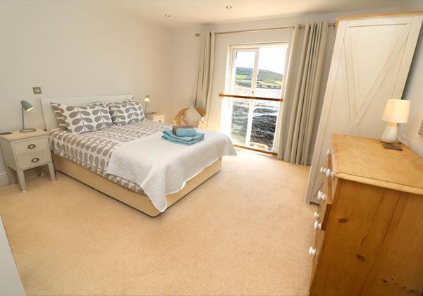 Croyde Holiday Cottages Surfside Master Bedroom