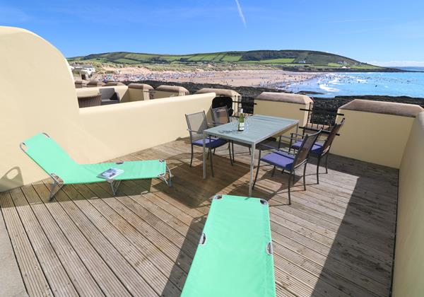 Croyde Holiday Cottages Surfside Sunloungers