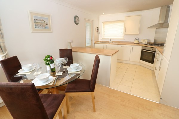 Braunton Holiday Cottages Moonstone Dining Table