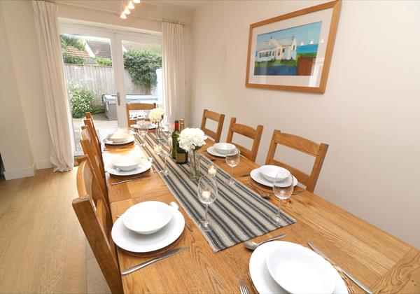 Croyde Holiday Cottages Offshore Dining To Patio