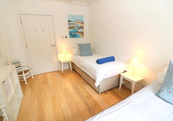 Croyde Holiday Cottages Offshore Twin Room