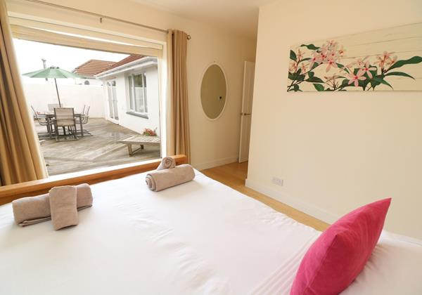 Croyde Holiday Cottages Offshore Patio Bedroom To Patio