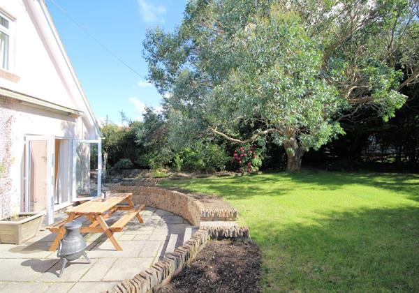 OC Summer Shores Croyde Holiday Cottages Enclosed Garden For Children