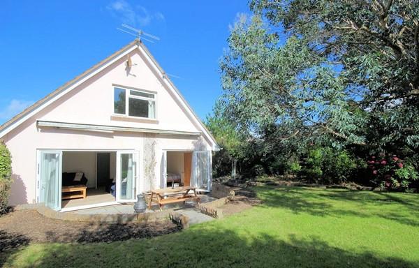 OC Summer Shores Croyde Holiday Cottages Garden