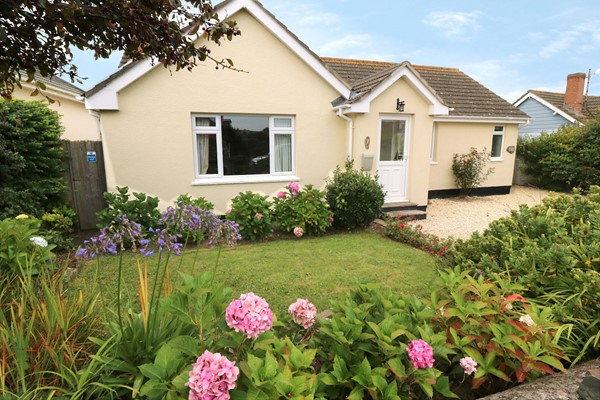 Croyde Holiday Cottages Westside Front Of House