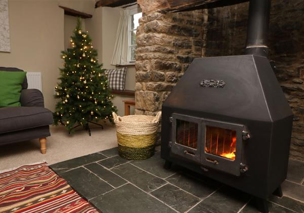 Croyde Holiday Cottages Chuggs Cosy Xmas Fire