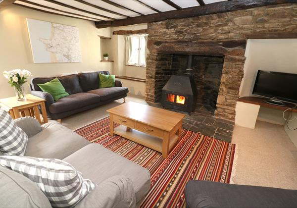 Croyde Holiday Cottages Chuggs Cottage Lounge Layout