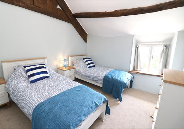 Croyde Holiday Cottages Chuggs Cottage Twin Bedroom