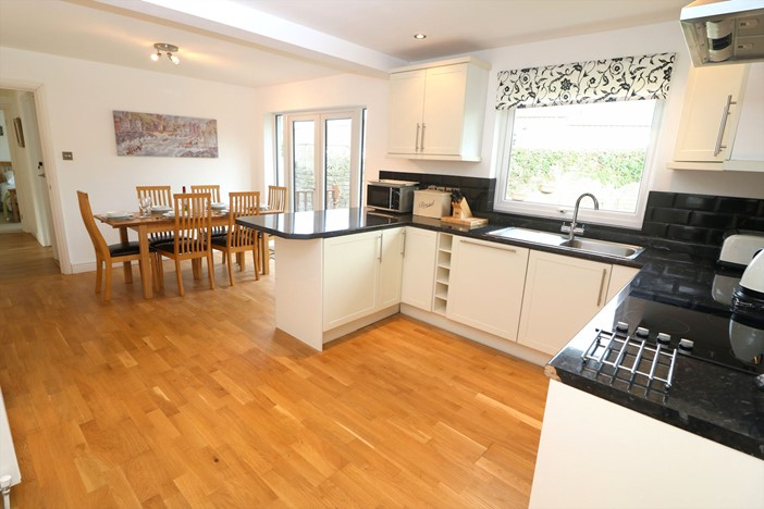 Croyde Holiday Cottages Seaward Kitchen To Dining