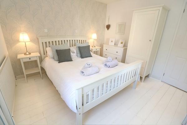 Croyde Holiday Cottages Bay Cottage Master Bedroom
