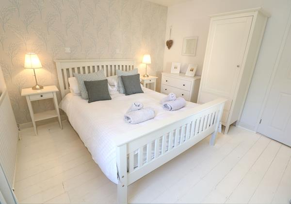 Croyde Holiday Cottages Bay Cottage Master Bedroom