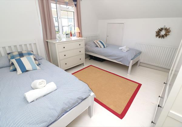 Croyde Holiday Cottages Bay Cottage Twin Bedroom