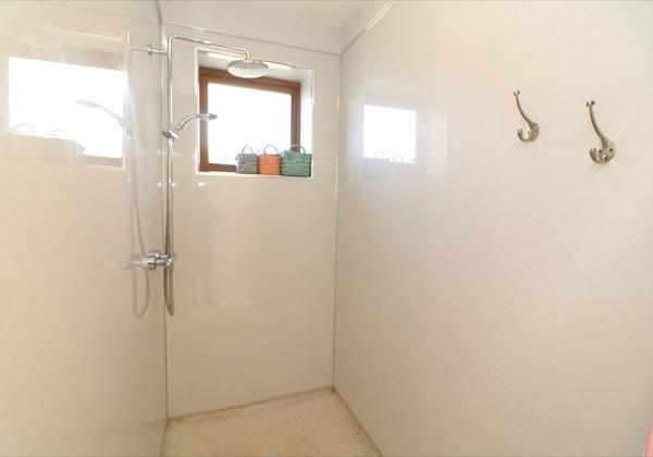 Croyde Hoiliday Cottages Broad De Wet Room