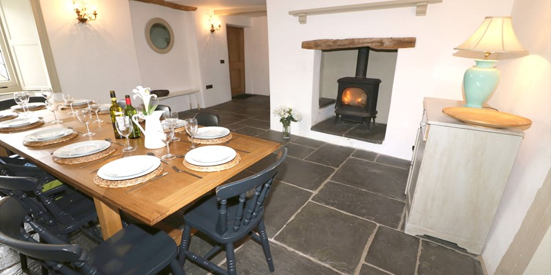 Croyde Holiday Cottages Home House Dining Table