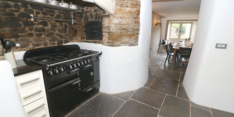 Croyde Holiday Cottages Home House Kitchen To Dining