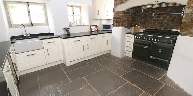 Croyde Holiday Cottages Home House Kitchen