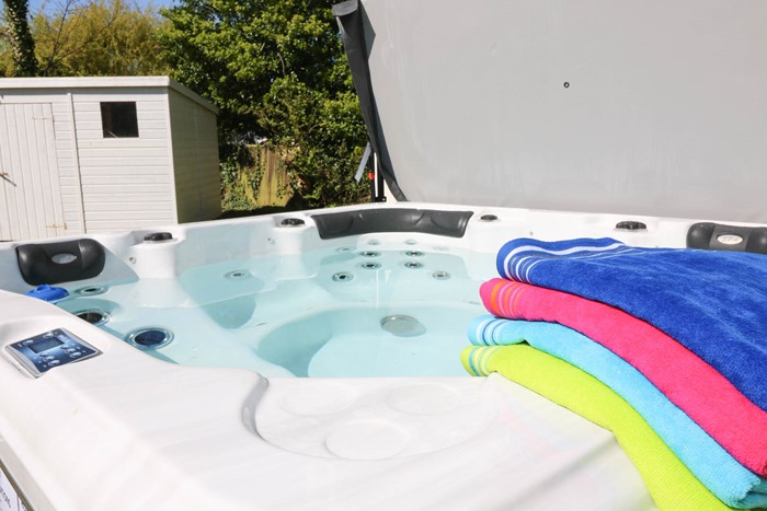 Eden Croyde Holiday Cottage Hot Tub