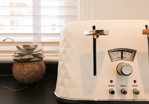 Hartland View Croyde Holiday Cottage Kitchen Appliance