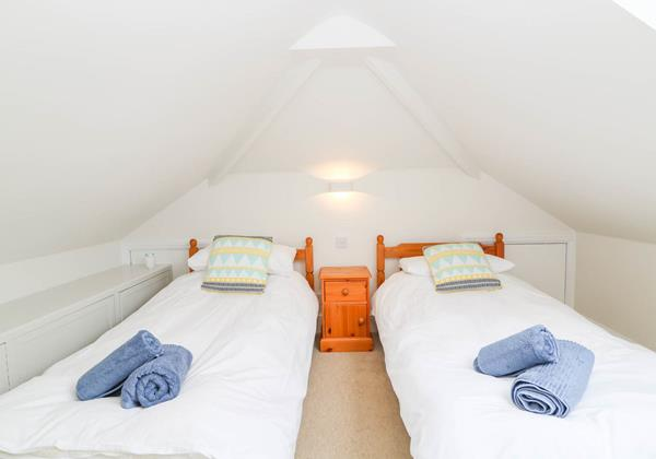 Hartland View Croyde Holiday Cottage Twin Bedroom