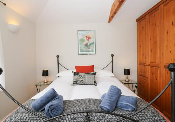 Hartland View Croyde Holiday Cottage Master Room Close Up