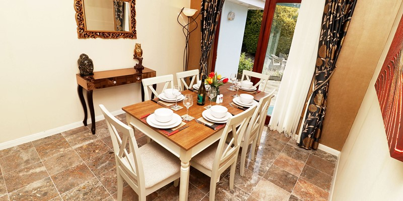 Blue Pearl Croyde Holiday Cottage Dining Room