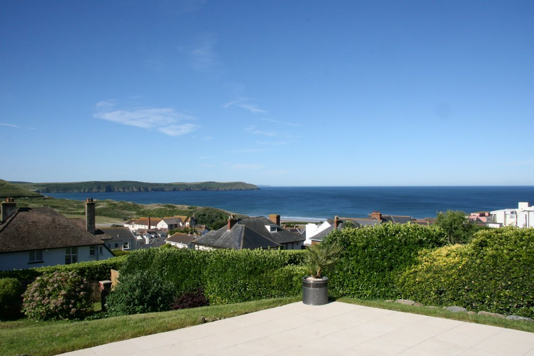 Long beach house woolacombe holiday cottages ocean for Beach house view