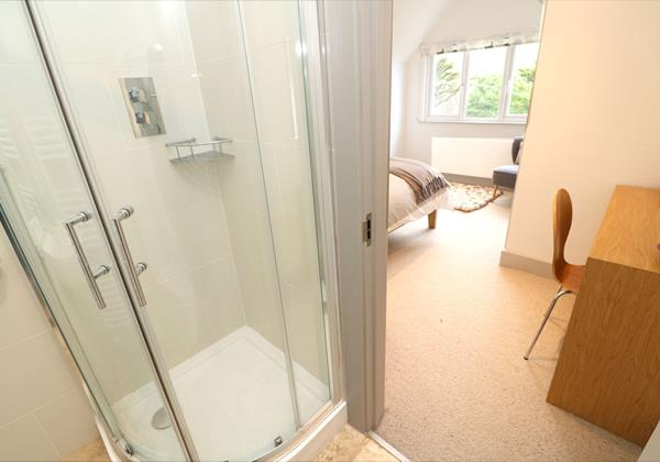 Woolacombe Holiday Cottages Long Beach House Ensuite To Bed