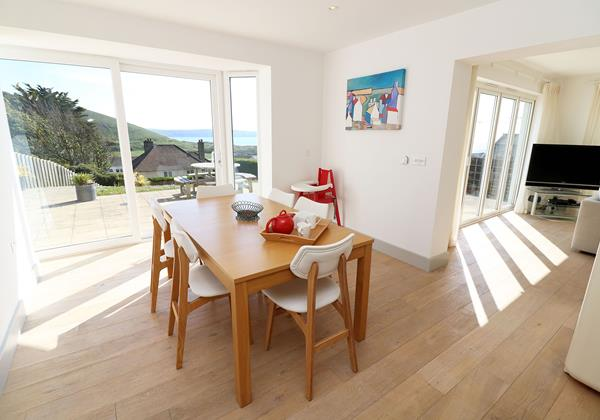 Woolacombe Holiday Cottages Long Beach House Dining Area