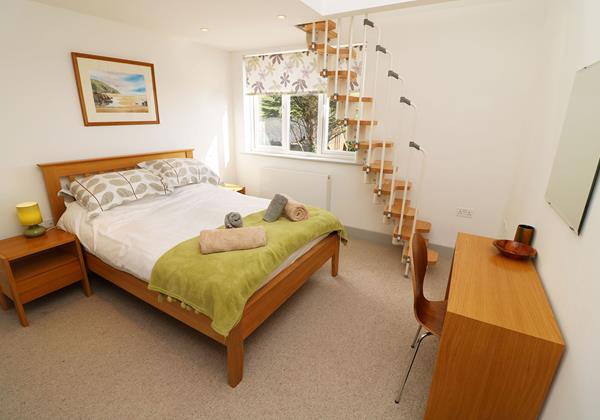 Woolacombe Holiday Cottages Long Beach House Bedroom With Loft Area Stairs1