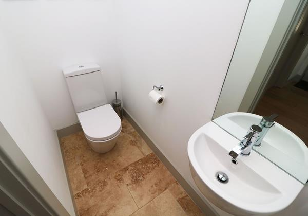 Woolacombe Holiday Cottages Long Beach House Toilet