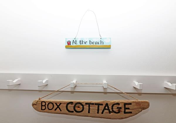 Box Cottage Georgeham Holiday Cottage Sign