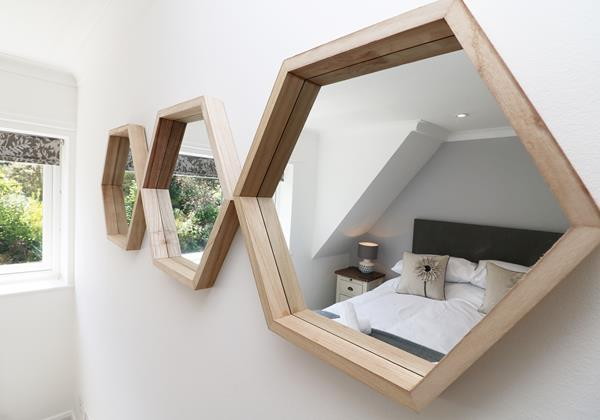 Croyde Holiday Cottages Langtrees Bedroom Mirror Decor