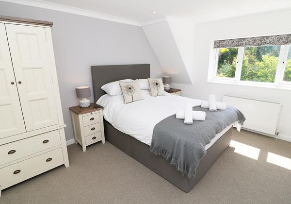 Croyde Holiday Cottages Langtrees Bedroom1a