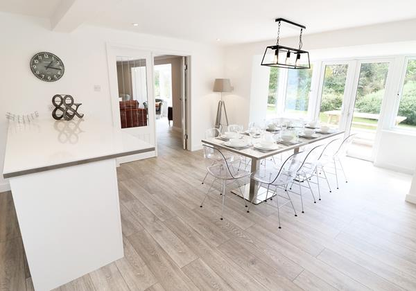 Croyde Holiday Cottages Langtrees Kitchen Dining