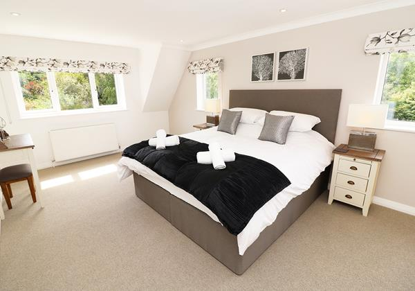 Croyde Holiday Cottages Langtrees Master Bedroom