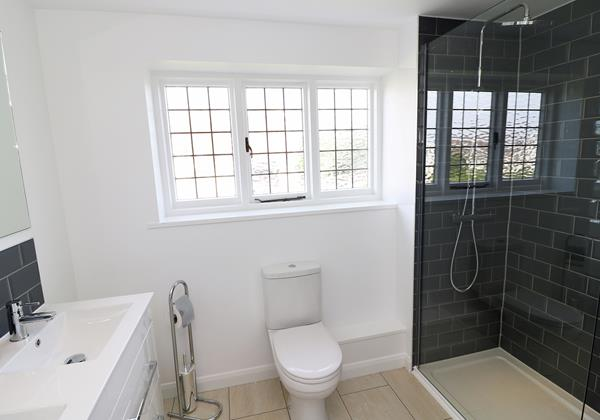 Croyde Holiday Cottages Langtrees Master Ensuite