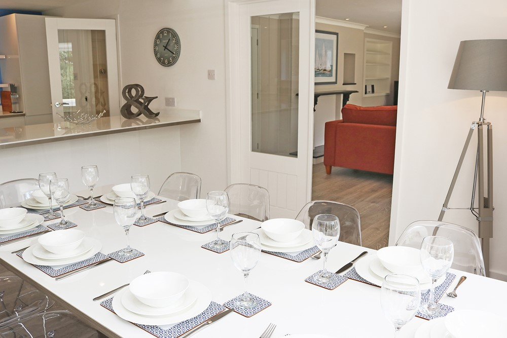 Croyde Holiday Cottages Langtrees Dining Table Close